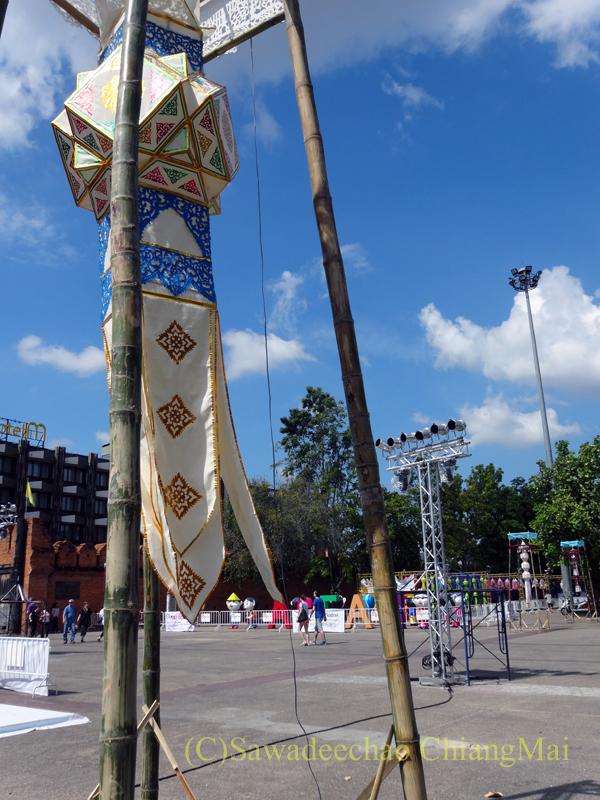 チェンマイのイーペン(ローイクラトン)祭りの提灯