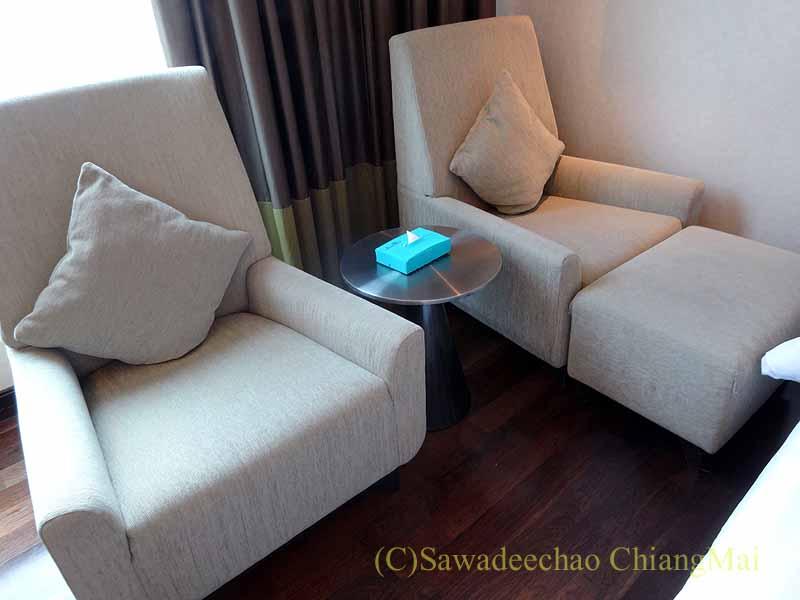 バンコクのジャスミンリゾートホテルのソファ