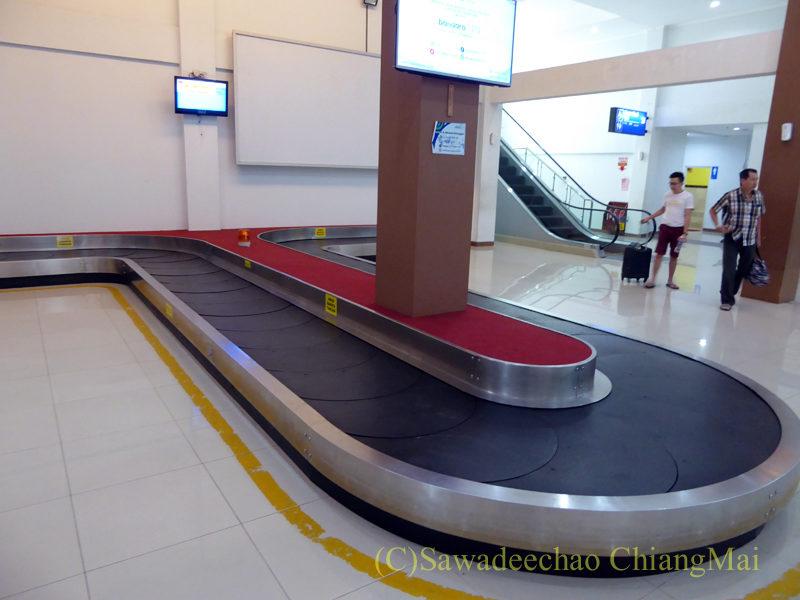 インドネシアのソロ(スラカルタ)空港のターンテーブル