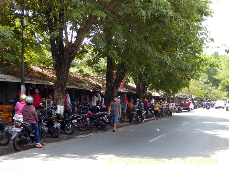 インドネシアのソロ(スラカルタ)の街の裏通り