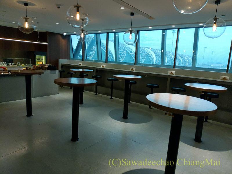 スワンナプーム空港キャセイパシフィック航空ラウンジのスタンド席
