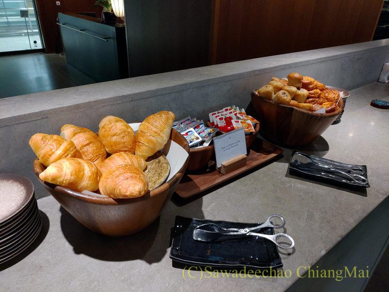 スワンナプーム空港キャセイパシフィック航空ラウンジのパンコーナー