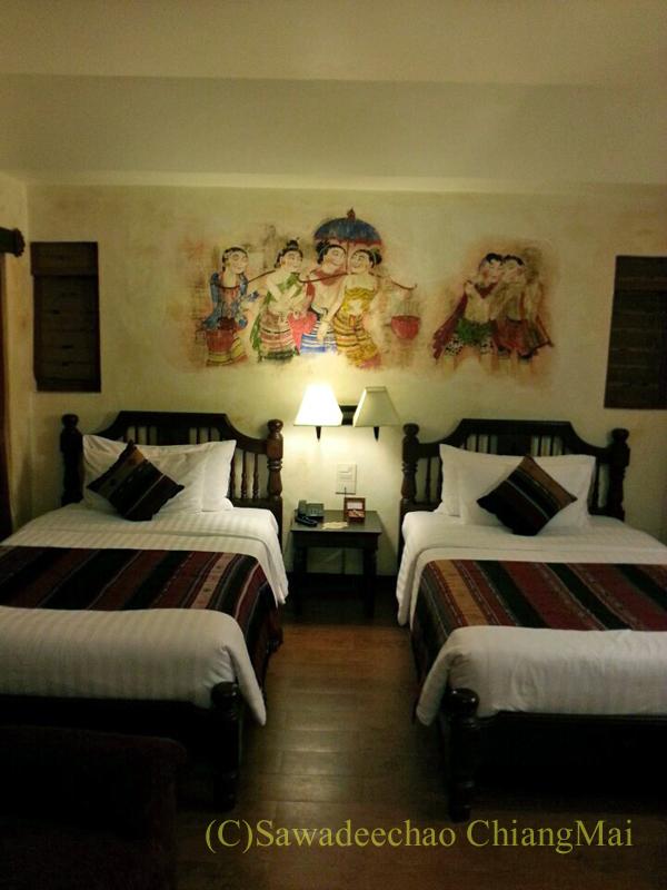 チェンマイの高級ブティックホテル、ヤーンカムビレッジのベッド