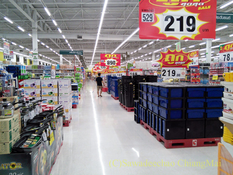 チェンマイの大型スーパーマーケット、ビッグCの店内
