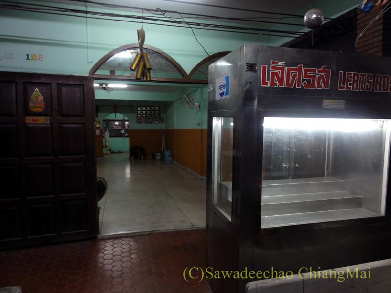 チェンマイの海鮮中華料理レストラン、ルートロットの入口