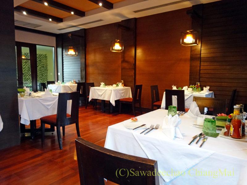 タイのピサヌロークにあるヨディアヘリテージホテルのレストラン