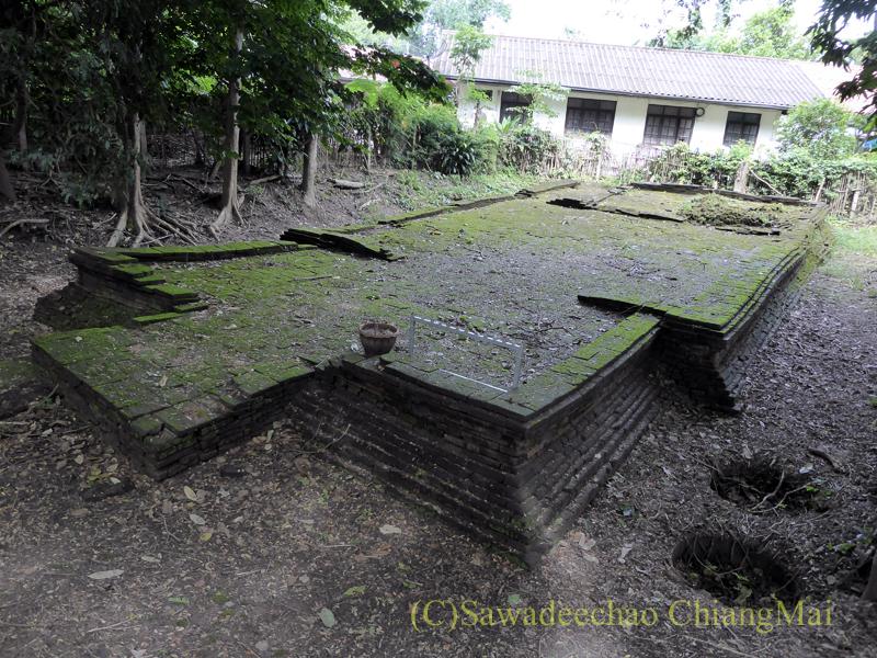 チェンマイのウィアンクム・カーム遺跡のワットクム・カームティープラーム