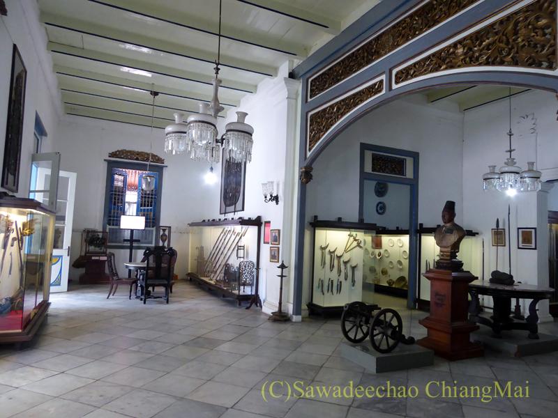 インドネシア、ソロ(スラカルタ)のラジャプスタカ博物館の内部
