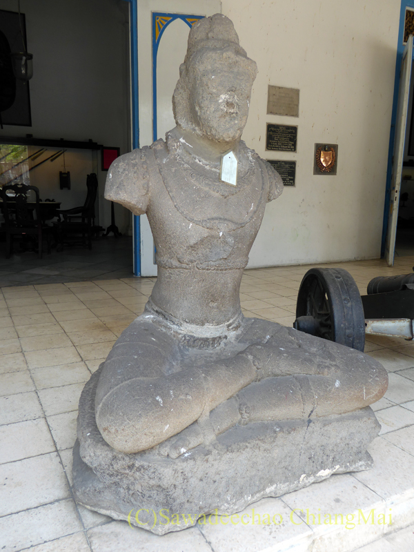 インドネシア、ソロ(スラカルタ)のラジャプスタカ博物館の仏像