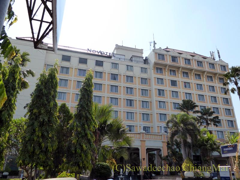 インドネシアのソロ(スラカルタ)のホテル、ノボテルソロの外観