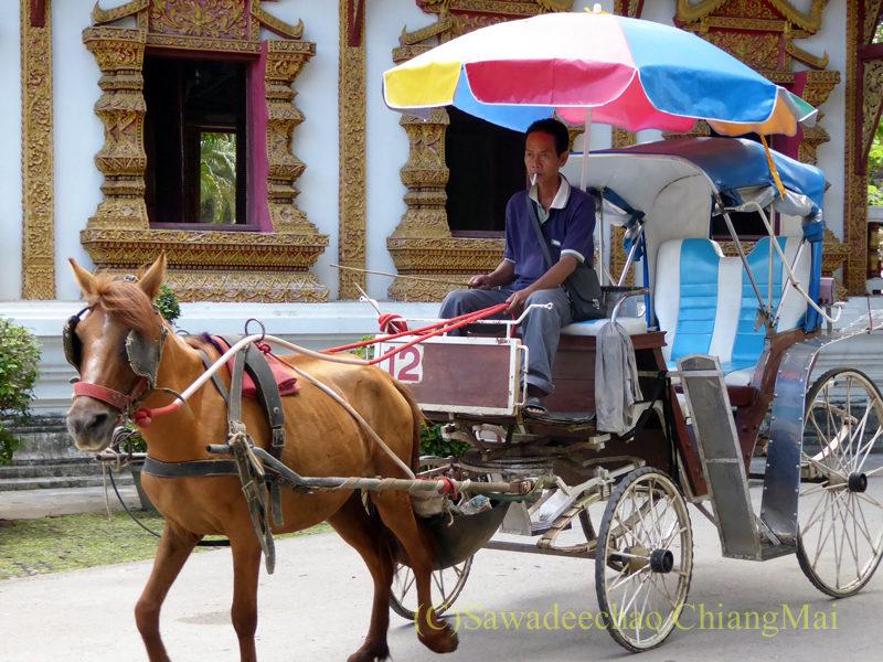 チェンマイのウィアンクム・カーム遺跡の馬車