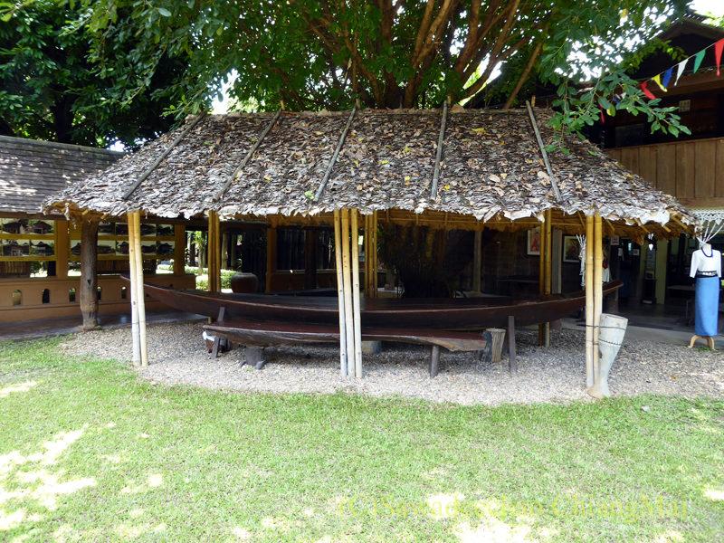 チェンマイの遺跡レストラン、ローンカーオラムの独立席