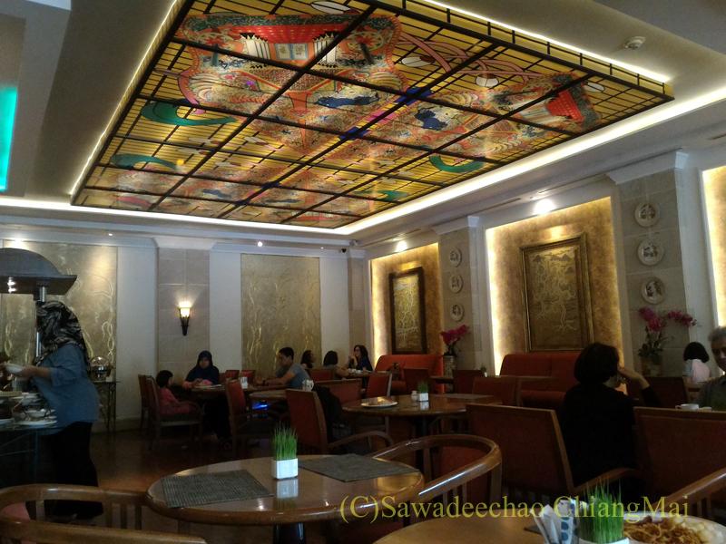 インドネシアのソロ(スラカルタ)のホテル、ノボテルソロのレストラン