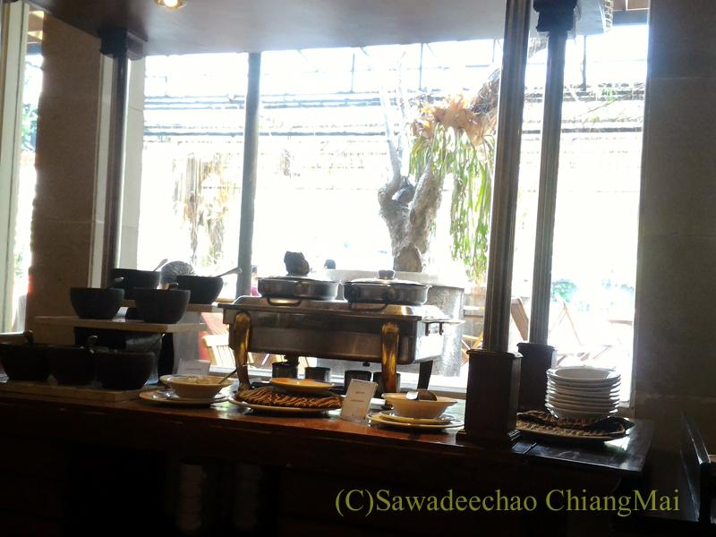 インドネシアのソロ(スラカルタ)のホテル、ノボテルソロの朝食