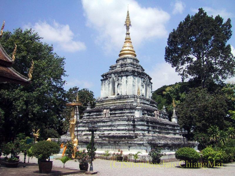 チェンマイのウィアンクム・カーム遺跡のワットカーントムの仏塔