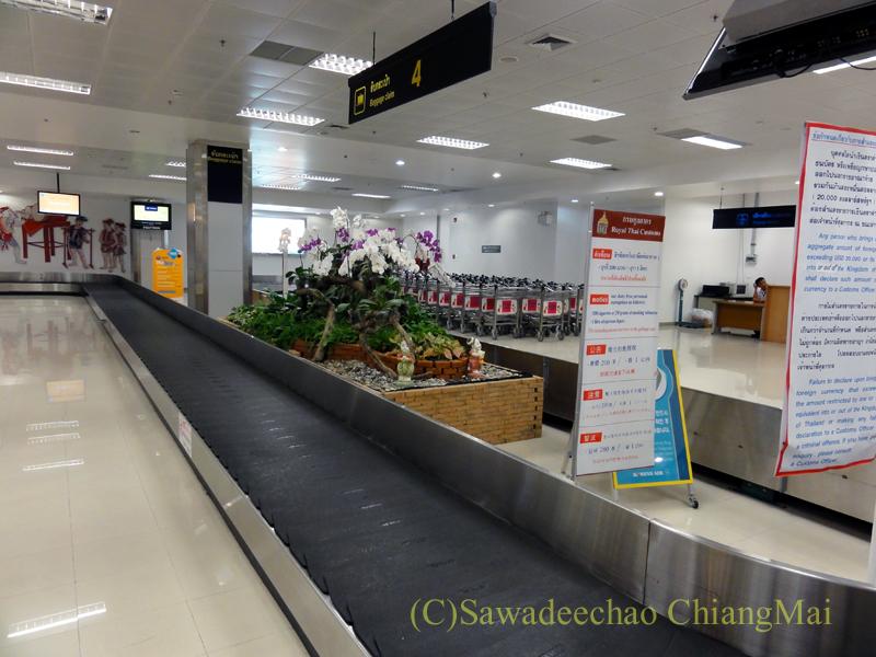 チェンマイ空港国際線ターミナルの荷物ターンテーブル