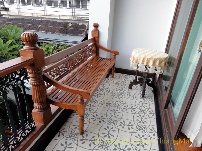 チェンマイのビラシリラーンナーホテルのバルコニー