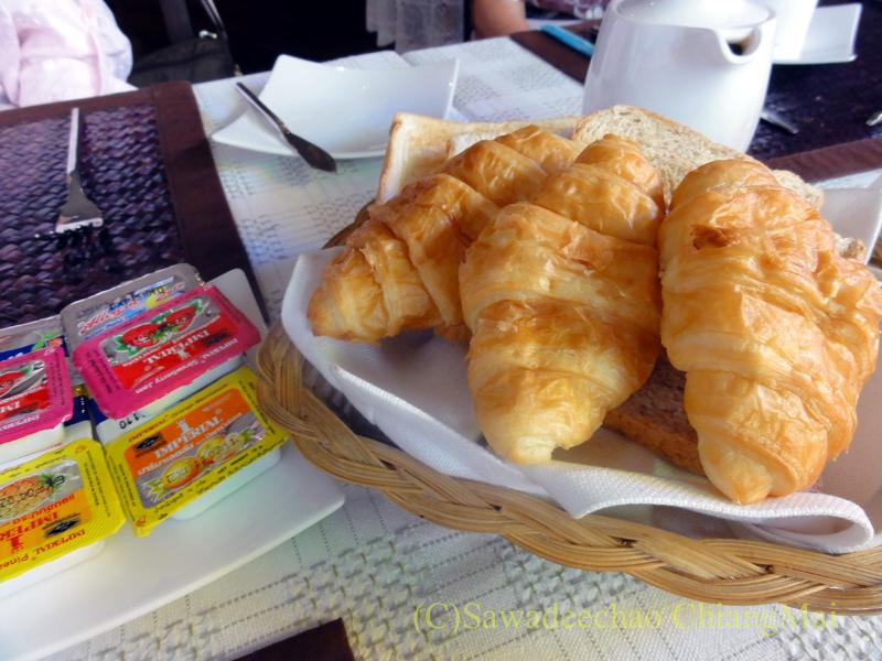 チェンマイのビラシリラーンナーホテルの朝食のパン