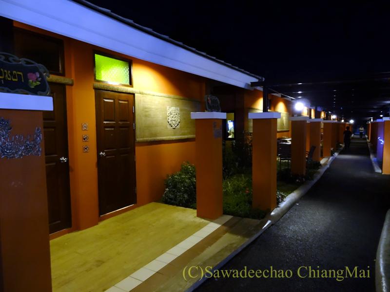 チェンマイ郊外にあるタイ料理レストラン、バーンロムマイのパーティールーム
