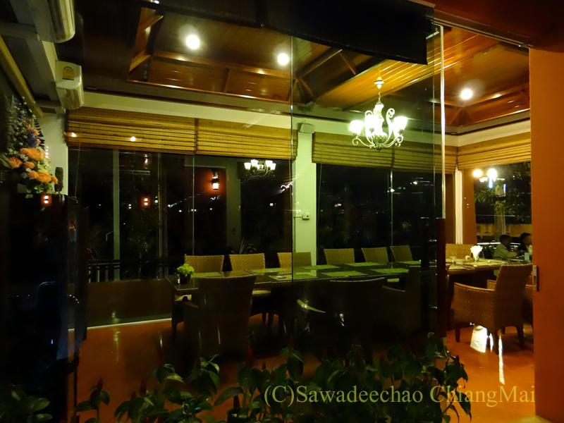 チェンマイ郊外にあるタイ料理レストラン、バーンロムマイのVIPルーム