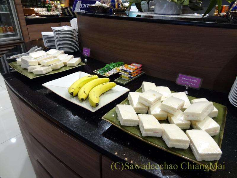 チェンマイ空港のタイ国際航空ロイヤルオーキッドラウンジのサンドイッチコーナー