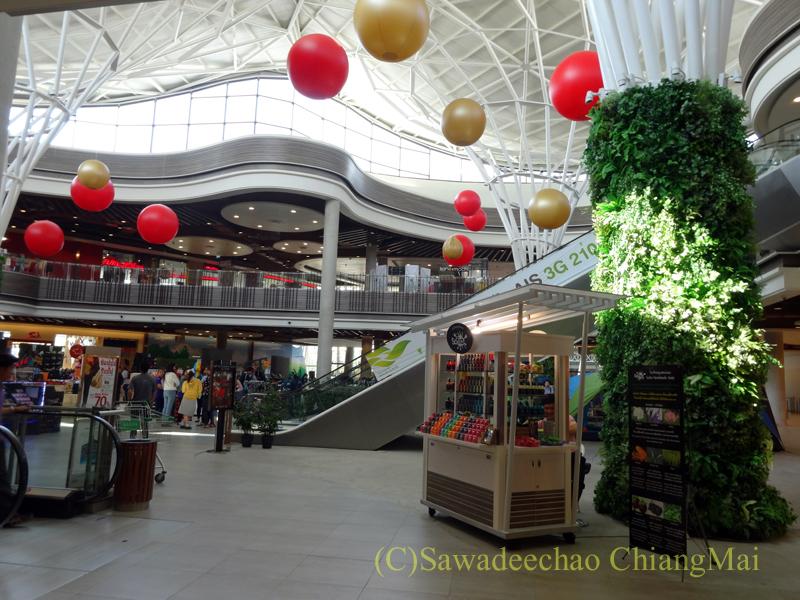 チェンマイのショッピングセンター、プロムナーダリゾートモールの閑散とした様子
