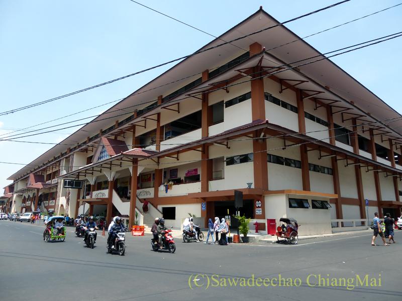 インドネシアのソロ(スラカルタ)のクレウェル市場の外観