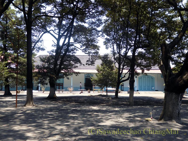 インドネシアのソロ(スラカルタ)のカスナナン王宮の菩提樹
