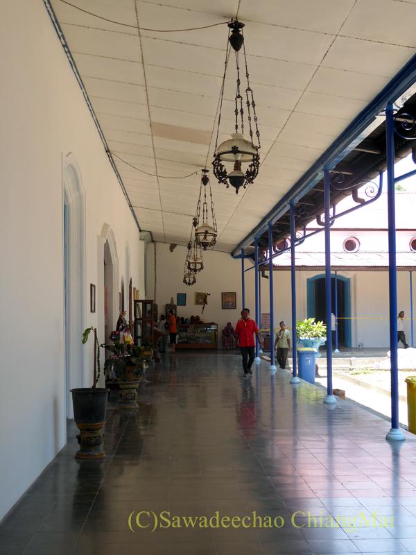 インドネシアのソロ(スラカルタ)のカスナナン王宮のホール