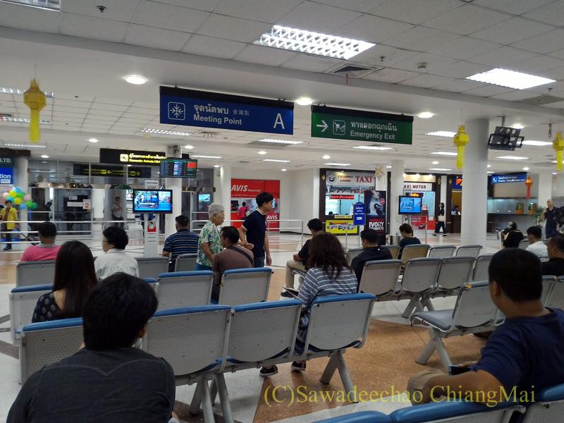 チェンマイ空港の国内線ターミナルの到着ロビー
