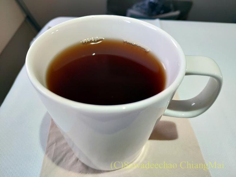 キャセイドラゴン航空KA232便のビジネスクラスで出た鉄観音