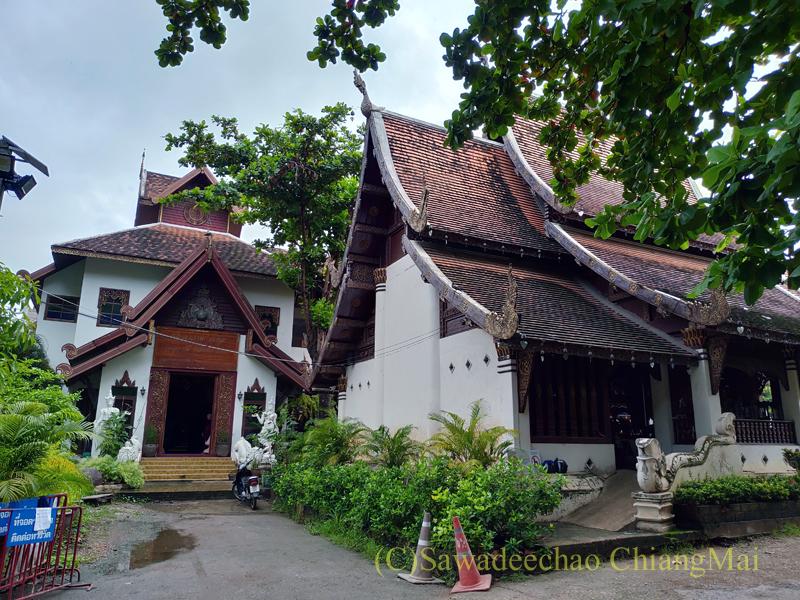 チェンマイ市内にある廃寺ワットパンサオの再建された本堂