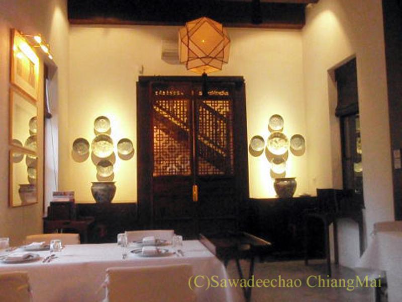 チェンマイの高級ホテル、ラチャマンカのレストランのインテリア