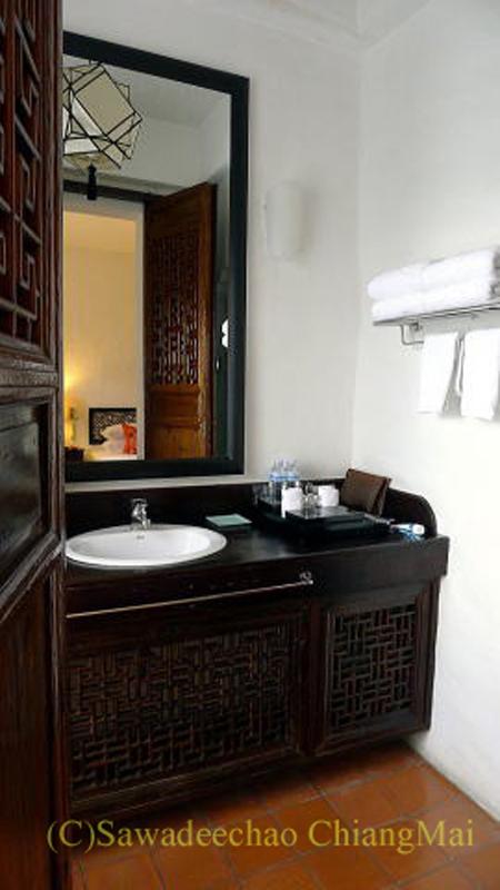 チェンマイの高級ホテル、ラチャマンカの洗面台