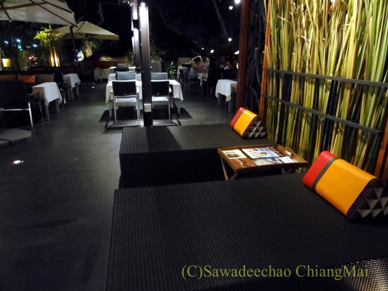 チェンマイのフュージョン料理レストラン、Deck1のエントランス