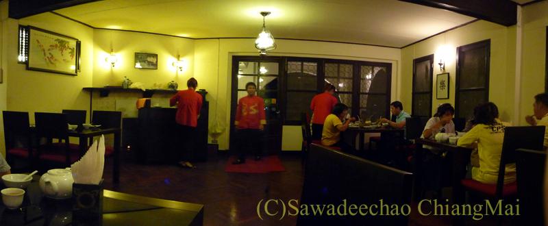 チェンマイの高級中華レストラン、ヤンツージャン(揚子江)の店内概観