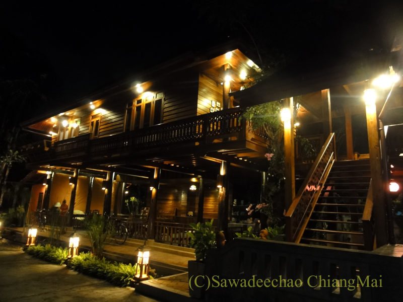 チェンマイの高級北タイ料理レストラン、ルアンカムイン