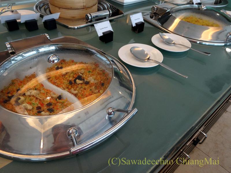 クアラルンプール空港のタイ航空ラウンジのインド料理