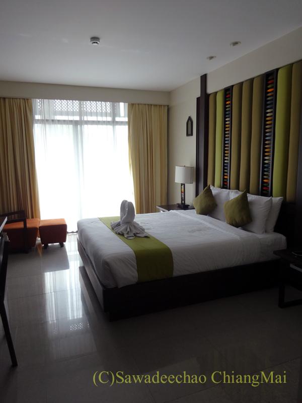 タイ北部の街、プレーのフアンナナブティックホテルの客室概観