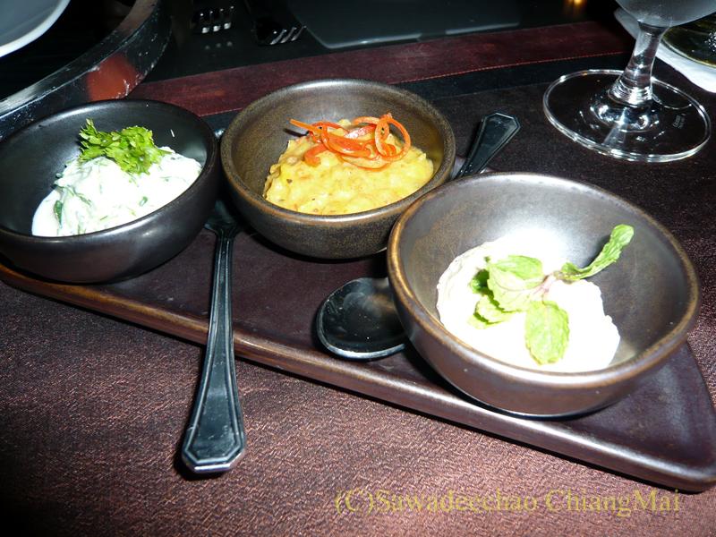 チェンマイのホテル、ラティラーンナーリバーサイドスパリゾートの夕食のディップ3種