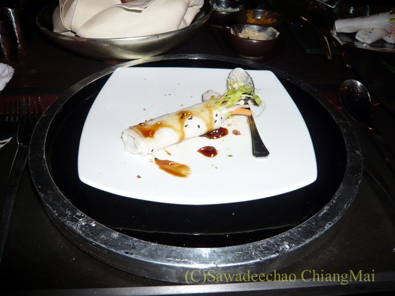 チェンマイのホテル、ラティラーンナーリバーサイドスパリゾートの夕食の生春巻