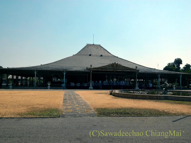 インドネシア、ソロ(スラカルタ)のマンクネガラン王宮概観