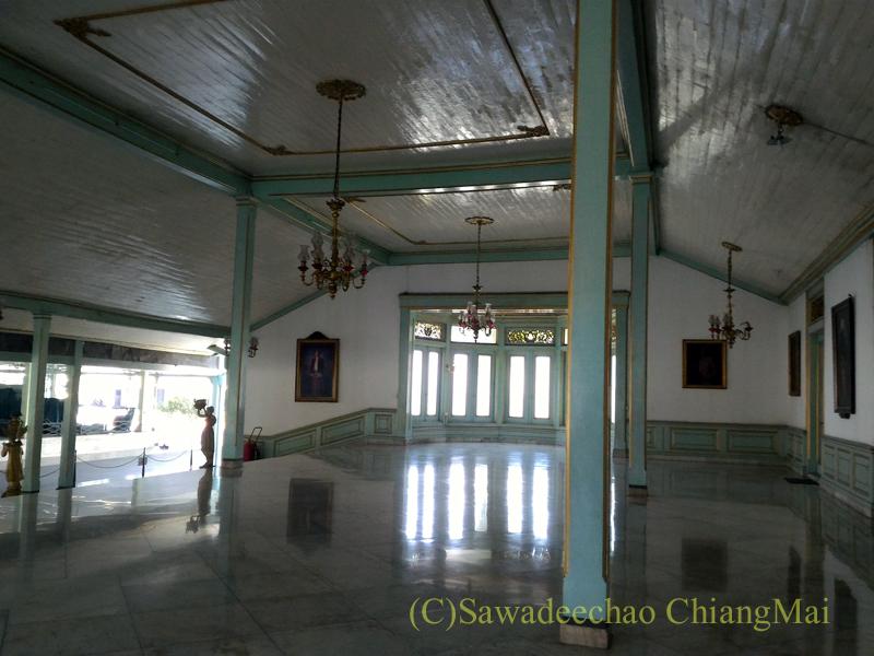 インドネシア、ソロ(スラカルタ)のマンクネガラン王宮の内部