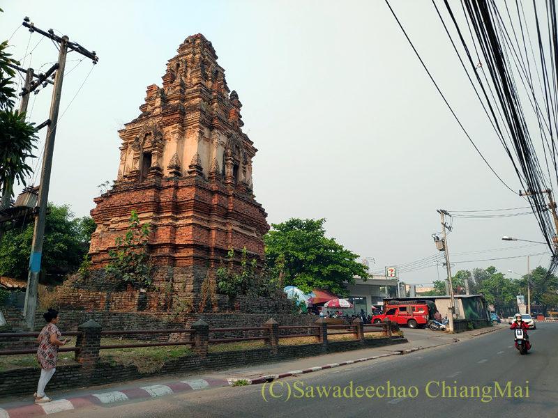 チェンマイ市内北部にある廃寺ワットファンサート
