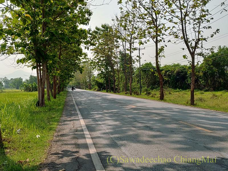 サンカムペーン郊外の田舎道