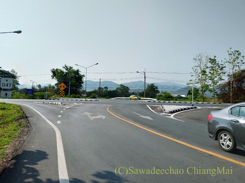 チェンマイ東郊外の国道1147号線と1317号線との交差点