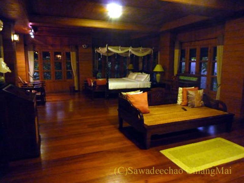 チェンマイの高級北タイ料理レストラン、ルアンカムインのスイートルーム