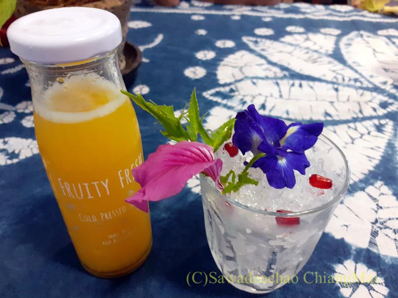 チェンマイの創作タイ料理レストラン、ミーナーのジュース