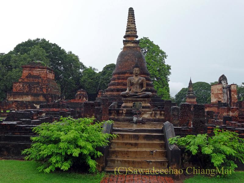 タイのスコータイ遺跡のワットマハータートの仏塔