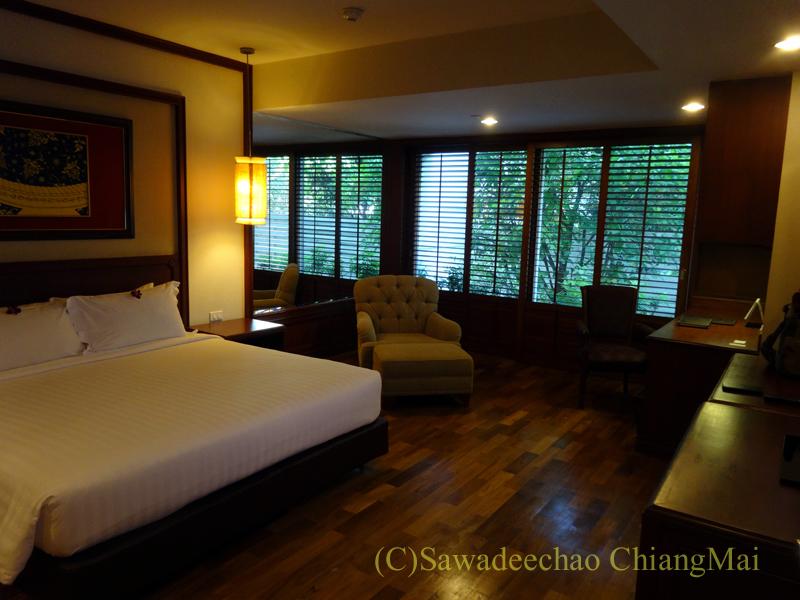 バンコクのホテル、センターポイントスクムビットトンローのベッドルーム